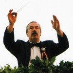 Skolas direktors Haralds Bārzdiņš - vispārējo dziesmu svētku virsdiriģents